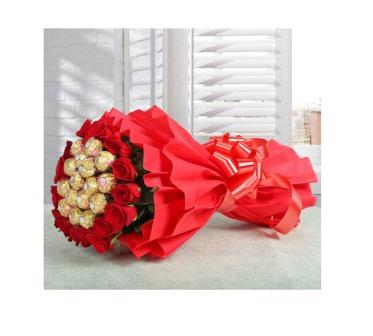 Ferrero Rocher Bouquet with Red Roses | flora for u | Best Florist ...